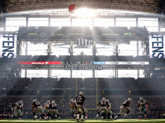 perfect-conditions-at-cowboys-patriots-game-helped-create-incredible-pictures